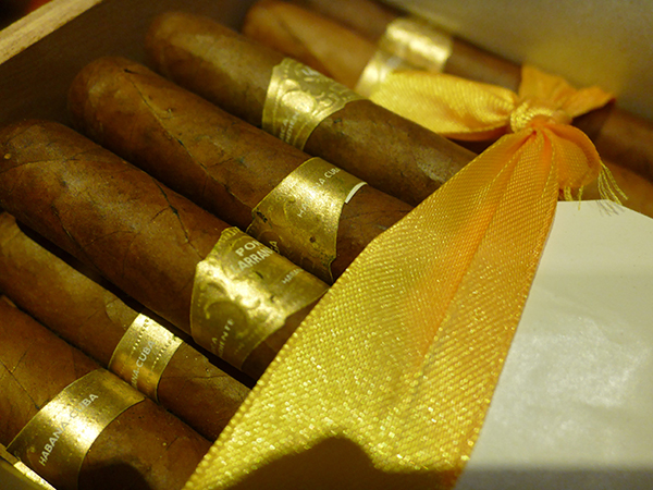 cuban cigar, por larranaga